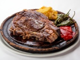 Grilled ox t-bone steak - Los Calaos de Briones restaurant