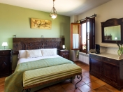 Room with private bathroom and seating area. guesthouse in Briones, Los Calaos